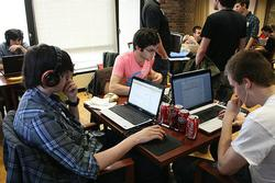 Students collaborate on online learning projects, an option much more likely in Utah after the passage of several digital learning bills (Image by hackNY