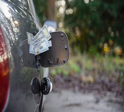 MINNESOTA SHOULD NOT HIKE GAS TAX TO FUND INFRASTRUCTURE